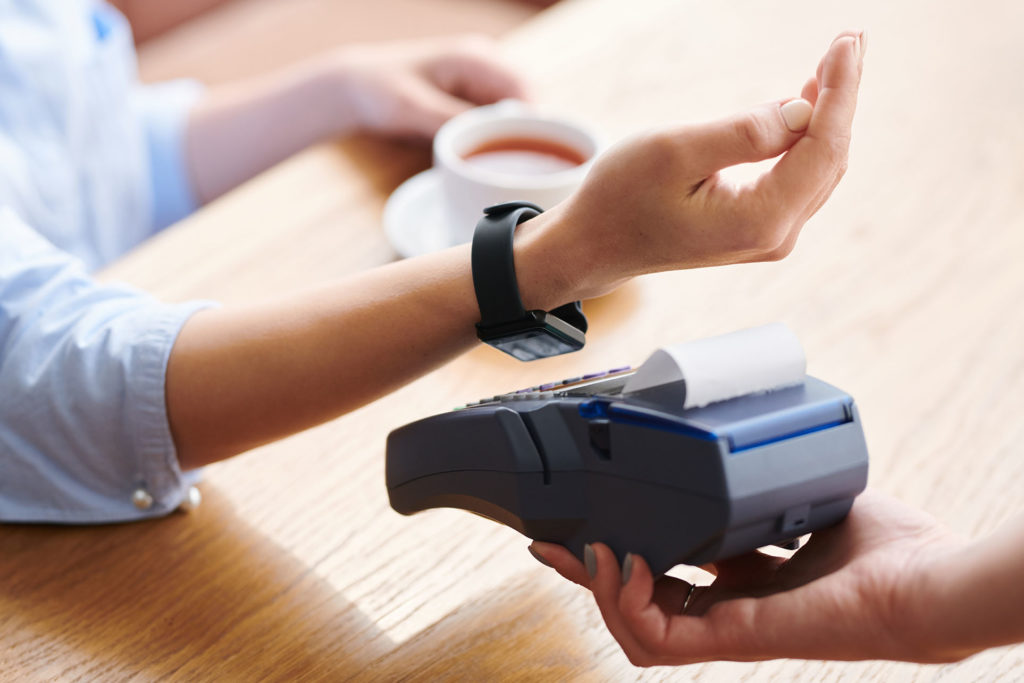 Using smartwatch for wireless payment